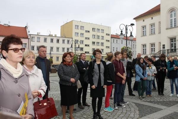 Zebrana publiczność podczas pleneru