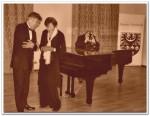 Artysta razem z Panią Elsebeth Brodersen - Przewodniczącą Stowarzyszenia Chopinowskiego w Danii